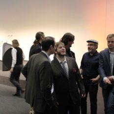 Herr Arnold (zweiter von links) unser Retter des Abends, als das Internet nicht mehr ging...