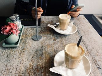 cafe-918887_640